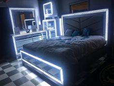 Small Room Bedroom, Room Ideas Bedroom, Home Decor Bedroom, Huge Bedrooms, Diy Bedroom, Bedroom Inspo, Dream Rooms, Dream Bedroom, White Room Decor