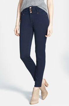 Spring essential! High waist skinny jeans