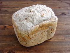 """Sigo con los panes en panificadora. Los panes integrales son mis favoritos, en especial los de centeno. La """"pega"""" que le pongo al centeno e..."""