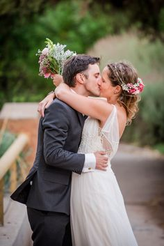 How essential is the Role of Wedding photographers in a Marriage? Wedding Events, Wedding Day, Best Wedding Photographers, Bridesmaid Dresses, Wedding Dresses, Great Memories, Marriage, Searching, Photo Ideas