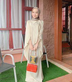 Modest Fashion Hijab, Street Hijab Fashion, Modesty Fashion, Casual Hijab Outfit, Muslim Fashion, Fashion Outfits, Kebaya Hijab, Kebaya Dress, Muslim Long Dress