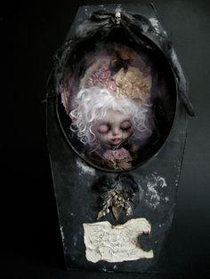 """Lavinia Vampirica""  Custom OOAK Blythe gothic vampyre doll[in coffin display box] by Julien Martinez"