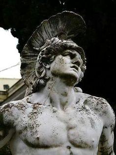 Corfù Sculpture Romaine, Achilles And Patroclus, Greek Statues, Buddha Statues, Stone Statues, Trojan War, Roman Sculpture, Greek Art, Greek Gods