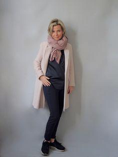 Der rosafarbene Mantel. | women2style