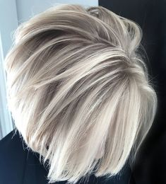 If you really want to lighten up your looks with fresh hair colors then we are here to provide you some of the best ice blonde balayage hair colors and highlights in these days. This color is suitable for both short and long blonde hair lengths. Medium Short Hair, Short Hair Cuts For Women, Medium Hair Styles, Curly Hair Styles, Short Gray Hair, Grey Hair Over 50, Haircuts For Women, Black Hair, Hair Cuts For Over 50