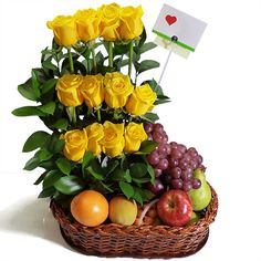 Fresh Fruit Arrangement with Roses. Rosen Arrangements, Edible Arrangements, Ikebana, Food Bouquet, Valentine Baskets, Fruit Flowers, Fruit Flower Basket, Fruit Decorations, Flowers Delivered