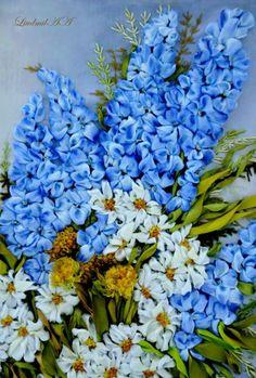 Beautiful, beautiful flowers arrangement in SRE - cannot locate the originator of this pin.