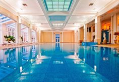 A stately Champneys spa resort in Bedfordshire with stunning grounds - includes healthy meals, spa treatments and classes