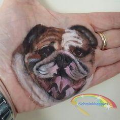 English Bulldog painted by Schminkkoppies #MarielleHeuft #schmink #3dpaint #facepaint #schminkkoppies #cameleonpaint