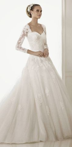 Pronovias 2015 Bridal Collections wooow... beautiful collection