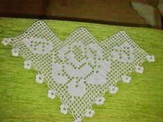 Güllü mutfak kenarı dantel - Arch Tutorial and Ideas Crochet Bracelet Pattern, Crochet Shoes Pattern, Crochet Patterns, Crochet Diagram, Filet Crochet, Irish Crochet, Crochet Art, Crochet Doilies, Diy Embroidery Thread
