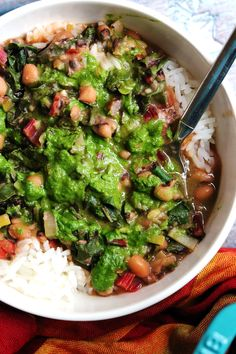 This week's healthy vegetarian meal plan features The Best Lentil Soup, Caramelized Onion Spinach Avocado Quesadilla, Black-Eyed Pea Stew with Green Herb Smash, Vegetarian Chili, and Chickpea… Healthy Vegetarian Meal Plan, Healthy Cooking, Vegetarian Recipes, Healthy Eating, Vegetarian Soup, Healthy Recipes, Slow Cooker Curry, Stuffed Jalapeno Peppers, Black Eyed Peas