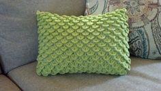 Pattern: Crocodile Stitch Pillow | Knit A Bit, Crochet Away