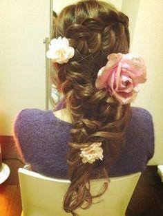 ラプンツェル風の髪型、ヘアアレンジの画像★結婚式、成人式、卒業式にぴったり!【三つ編み】【コスプレ】 - NAVER まとめ