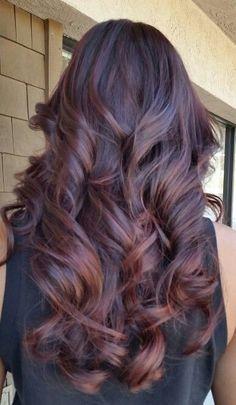 Dark Auburn Hair : Une couleur Sublime Irrésistible !