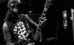 oh my god this gif of tony!!!>>I'm having really inappropriate thoughts of him x3