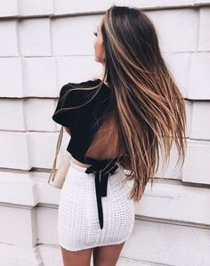 Allwomenstalk Hair has professional hair tips, hair care advice, hair trends, hairstyle inspiration, and best hair products for your most beautiful hair. Mode Outfits, Fashion Outfits, Corte Y Color, Outfit Trends, Good Hair Day, Looks Style, Mode Inspiration, Fashion Inspiration, Mode Style