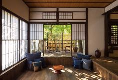9 Stunning Hotels and Ryokan in Hiroshima for Your 2019 Holiday to Japan Japanese Style House, Traditional Japanese House, Japan Interior, Japanese Interior Design, Home Upgrades, Small Room Interior, Interior Architecture, Building A House, Decoration
