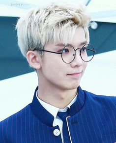Seriously Hwiyoung, not you with glasses too!
