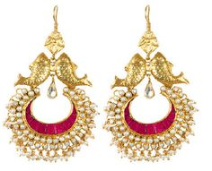 amrapali love the fishes! Pakistani Jewelry, Indian Wedding Jewelry, Indian Jewelry, Ethnic Jewelry, Gold Jewelry, Jewelery, Amrapali Jewellery, Indian Earrings, Temple Jewellery