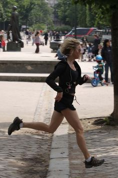 Renee Zellwegger goes for a jog in the streets of Paris.