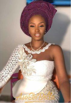 When a Yoruba Gentleman marries his Igbo Princess! Ogochukwu and Abiodun's Lovely Wedding African Formal Dress, African Wear Dresses, Latest African Fashion Dresses, African Print Fashion, Lace Gown Styles, Blouse Styles, African Lace Styles, African Style, Traditional Wedding Attire