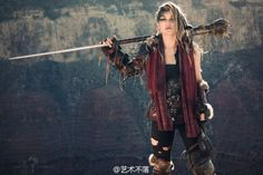 Awesome post-apocalyptic outfit. Love the sleeve!