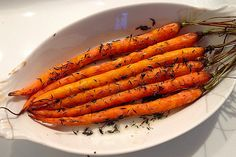 Roasted Dutch Carrots with Thyme. Low in carb, easy to prepare with a roast dinner   Insulin Resistance Diet Recipes