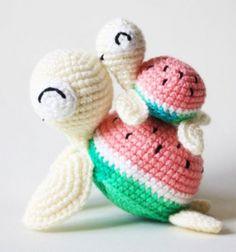 DIY Crochet watermelon turtles - free amigurumi pattern // Dinnye teknőcök - ingyenes amigurumi teknős minta // Mindy - craft tutorial collection