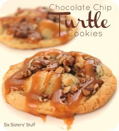 Six Sister's Stuff Chocolate Chip Turtle Cookies. A delicious twist on the chocolate chip cookie! Köstliche Desserts, Delicious Desserts, Dessert Recipes, Yummy Food, Dessert Healthy, Pudding Recipes, Yummy Recipes, Recipies, Turtle Cookies