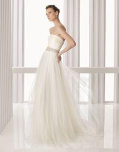 Empire Wedding Dresses Strapless Court Train Netting Champagne