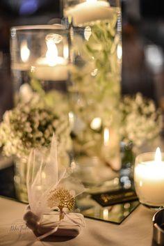 Elegant wedding decoration ideas for table setup | Διακόσμηση τραπεζιού γάμου, μπομπονιέρα γάμου Wedding Decorations, Table Decorations, Greek Islands, Mykonos, Wedding Photography, Home Decor, Greek Isles, Decoration Home, Room Decor