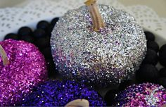 Make glittered pumpkins with toddlers favorite colors.