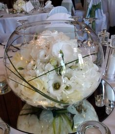 white flower center pieces