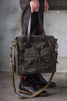 Filson Brief Tote available at www.nl www.de Filson Brief Tote available at www.nl www. Backpack Bags, Leather Backpack, Tote Bag, Laptop Backpack, Men's Totes, Big Bags, Cloth Bags, Leather Men, Leather Jackets
