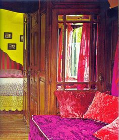 Jeanne Bayol by eclectic gipsyland, via Flickr - gypsy wagon - interior