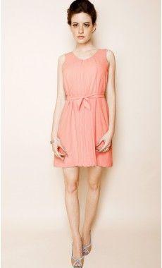 Les filles c'est le website qu'il faut, robes de createurs, fabriquées en France et pile poil dans le theme sans etre hors de prix