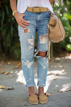 minus the bag Boyfriend Pants Outfit, Boyfriend Jeans, Women's Couture Fashion, Fashion Outfits, Womens Fashion, Fashion Trends, Fashion Bloggers, Weekend Wear, Cultura Pop