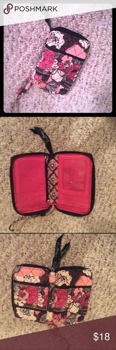 Vera Bradley wristlet Very good used condition Vera Bradley Bags Clutches & Wristlets
