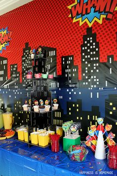 Superhero Party Table