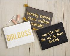 """Jute carry-all case has metallic gold sayings that read """"GIRLBOSS,"""" """"never be like the rest of them darling,"""" and """"beauty comes from within (THIS BAG)."""" Laminated wipe clean interior and zipper closure. Perfect as an on-the-go cosmetic bag. Vinyl Projects, Sewing Projects, Diy Makeup Bag, Lip Makeup, Makeup Basket, Makeup Pouch, Makeup Tips, Fixing Spray, Bag Quotes"""