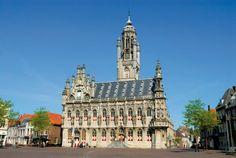 Dit is Middelburg hier woont mijn familie, hier zijn ook mijn broer en zus geboren en in Middelburg hebben mijn ouders elkaar ontmoet.
