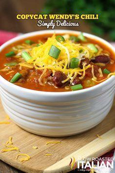 Wendy's Chili Copycat from the slowroasteditalian.com #copycat #dinner #recipe