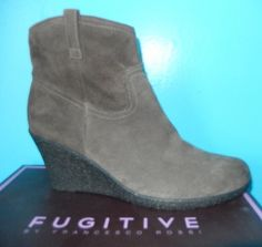 Je viens de mettre en vente cet article  : Bottines & low boots à compensés Fugitive  39,00 € http://www.videdressing.com/bottines-low-boots-compensees/fugitive-/p-4434548.html?utm_source=pinterest&utm_medium=pinterest_share&utm_campaign=FR_Femme_Chaussures_Bottines+%26+low+boots_4434548_pinterest_share