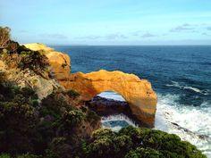 THE ARCH  Great Ocean Road - VIC Australia . Natural Wonders of The Great Ocean Road. Victoria Australia. . Paisagens pela Great Ocean Road. Victoria Austrália. . #australia #australesius2016 #australiatravel #aussietrip #oz #greatoceanroad #victoria #vic #victoriaaustralia #thearch #worldtravelpro #igersaustralia #peterborough #mochileiros #mochileirosgrupofechado #brnomads #brazilnomads #australianomads #portcampbell  #visitaustralia #worldnomads #thearchgreatoceanroad  #trupedatrip…