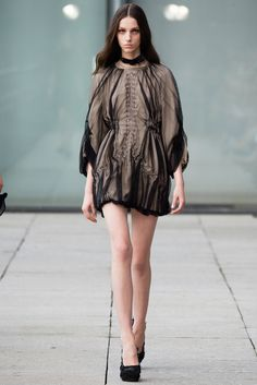 Iris van Herpen Spring 2015 Ready-to-Wear - Collection - Gallery - Look 18 - Style.com