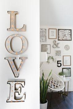 Letras luminosas love : via La Garbatella