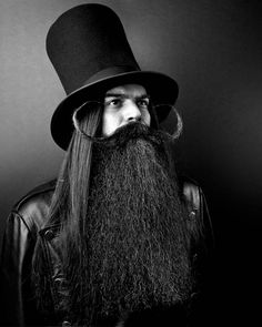 "A Book Of Beards: Must-see black and white ""beard portraits"" taken by Justin James Muir in support of the fight against cancer. Beards And Mustaches, Bald Men With Beards, Bald With Beard, Great Beards, Long Beards, Awesome Beards, Et Tattoo, Beard Tattoo, Mens Hairstyles With Beard"