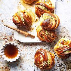 Himanshu Taneja (@thewhiteramekins) • Instagram photos and videos Food Styling, Food Photography, Muffin, Rustic, Photo And Video, Breakfast, Videos, Photos, Vintage