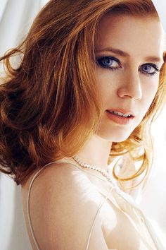 Amy Adams- So pretty <3 I love her med-length hair in this pic! But then again, I ALWAYS love her hair! It's to die for! (: